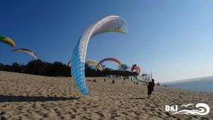 ailes de parapente sur la dune